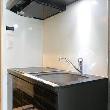 キッチンはこちら ※写真は別部屋となります