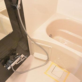 お風呂は落ち着く空間に※写真は別部屋となります