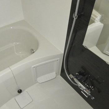 お風呂キレイです!※写真は3階の同間取り別部屋、通電前です