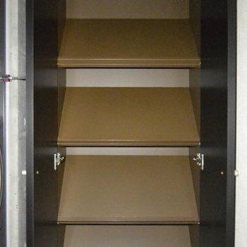 靴箱収納。※写真は3階の同間取り別部屋