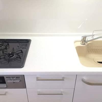 まな板もしっかり置けるキッチン