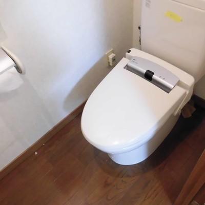 トイレは個室でウォシュレット
