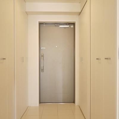 玄関の収納は、大容量。