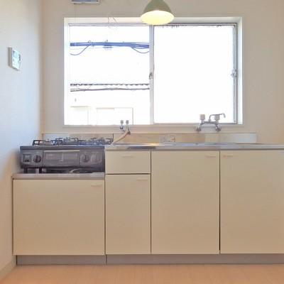 キッチンは十分な作業スペースを確保してます。