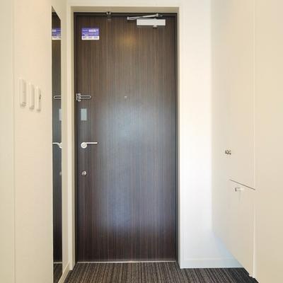 ホテルっぽい玄関。。