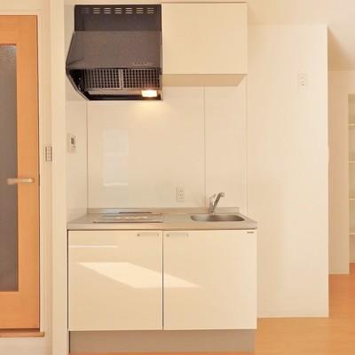 キッチンはIHの2口コンロ