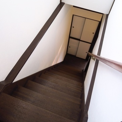 階段も素敵ですね