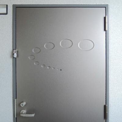 ドアがなんだか可愛くて・・・。