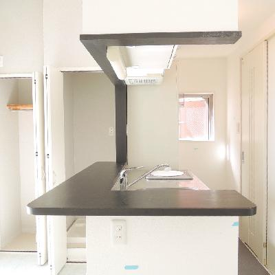 キッチンの黒が効いてます◎