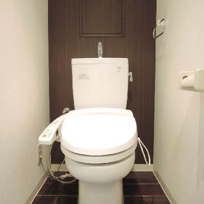 落ち着いた雰囲気のトイレ。