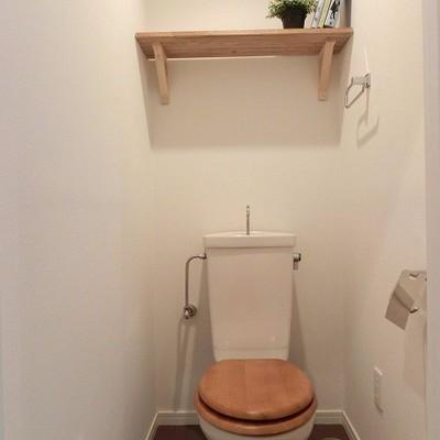 コロンとかわいい木製便座に。※完成後イメージです