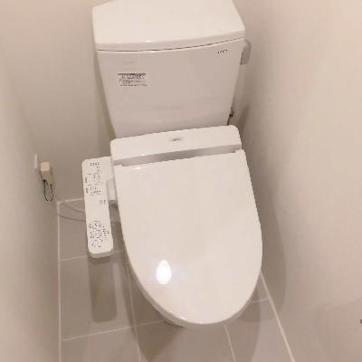 個室感のあるトイレです