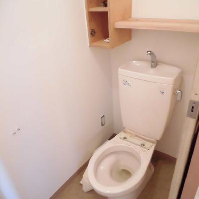 トイレは個室です*クリーニング中です