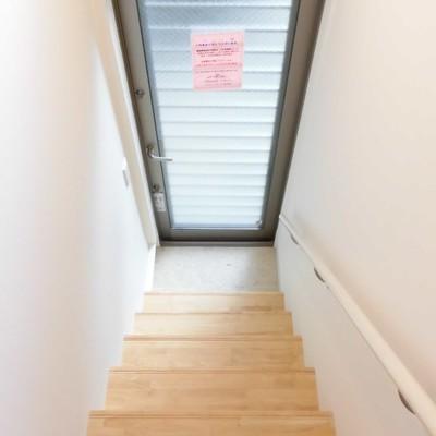 まぁまぁ急な階段