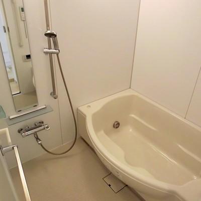 浴槽がワイド!!!しかもミストサウナ付いてます!