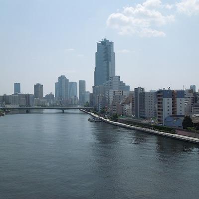 隅田川を眺めて