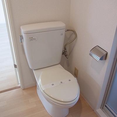 トイレと洗面台が同室 ※写真は別のお部屋です