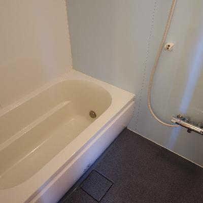 お風呂も追炊き乾燥機で機能的です!
