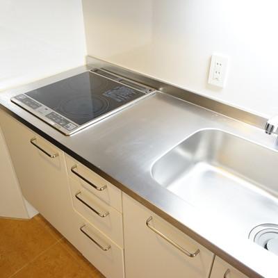 キッチンはIH2口です!※写真は203号室