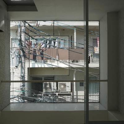 壁全面が窓です。眺望はご容赦を。※写真は別部屋