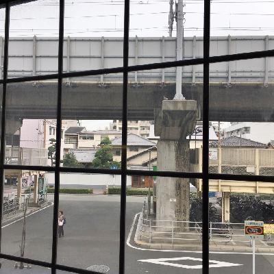 こちらはお部屋から。10分おきくらいで新幹線が駆け抜けていきます。