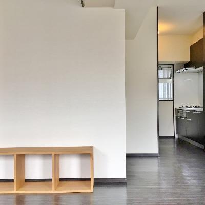 反対側にはキッチンです。