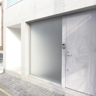お店みたいな玄関ドア!