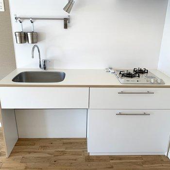 TOMOSオリジナルデザインキッチン。無印の冷蔵なんかもあいますよ!