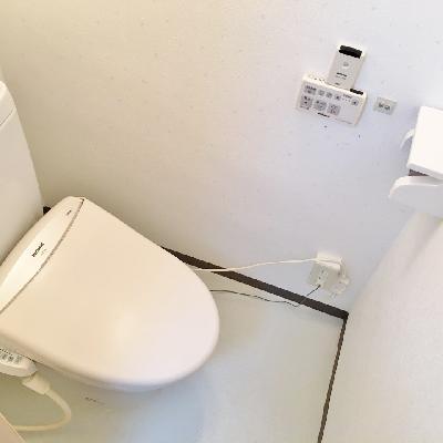 トイレは少し狭め。