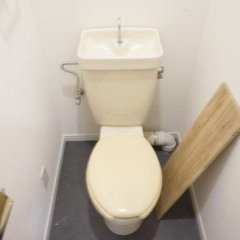 【工事中】トイレも個室です