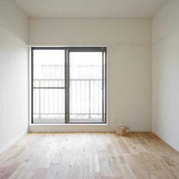 【工事中】寝室も明るい!