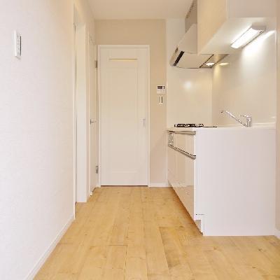 キッチンも無垢床なんです!