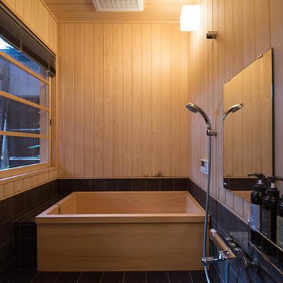 木のお風呂。毎日が温泉。