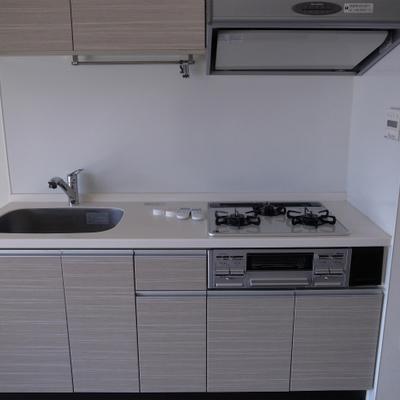 清潔感のあるキッチン※写真は別部屋