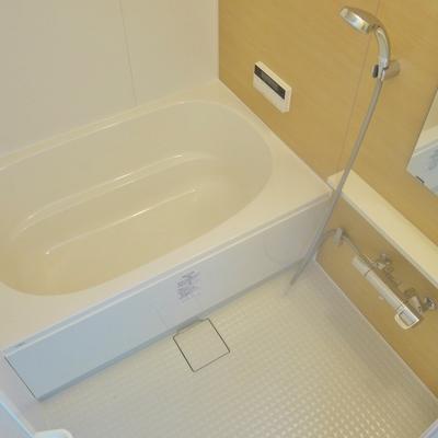 追い炊きも浴室乾燥も付いてます、