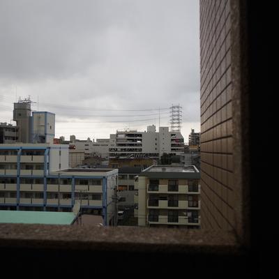 玄関ドアを出たところの眺望