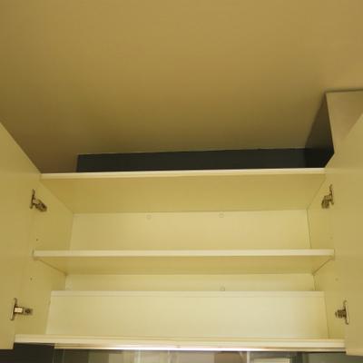 キッチン上部収納※写真は別室