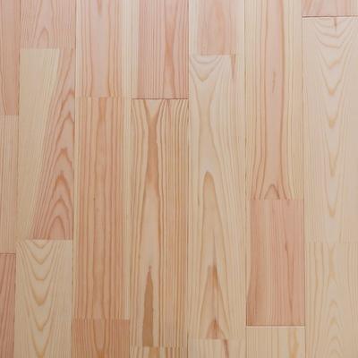床は無垢のパイン材です ※写真は前回工事した305号室