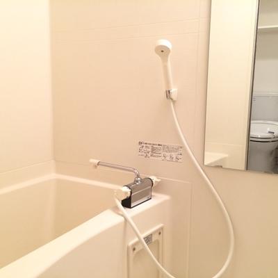 お風呂場は乾燥機能付きです