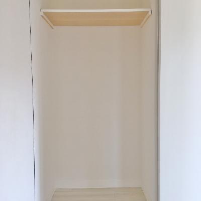 扉のサイズ以上に広さがあります。