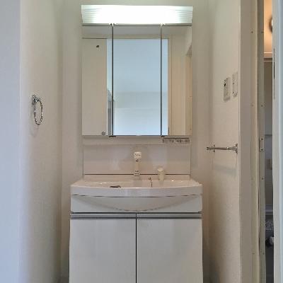 脱衣所には洗面台