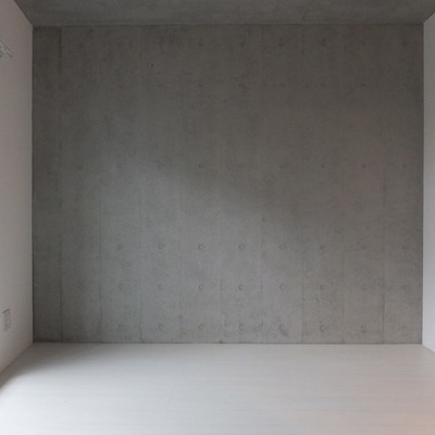 こちらの壁はRCらしく※写真は別部屋