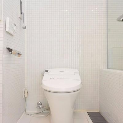 トイレはタンクレス※写真は同間取り別部屋