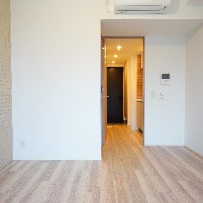 シンプルなお部屋で、アクセントタイル◎