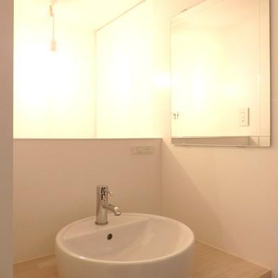 コンパクトな洗面台です。※写真は前回募集時のものです