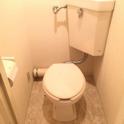 トイレはシンプルコンパクト