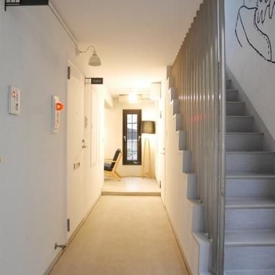 階段を駆け上がろう