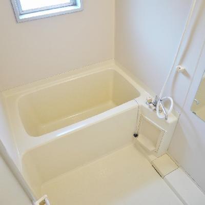 お風呂に窓あります!