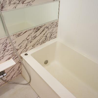お風呂は追い焚きがついてアクセントが利いてます!