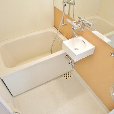 お風呂もリノベってます。